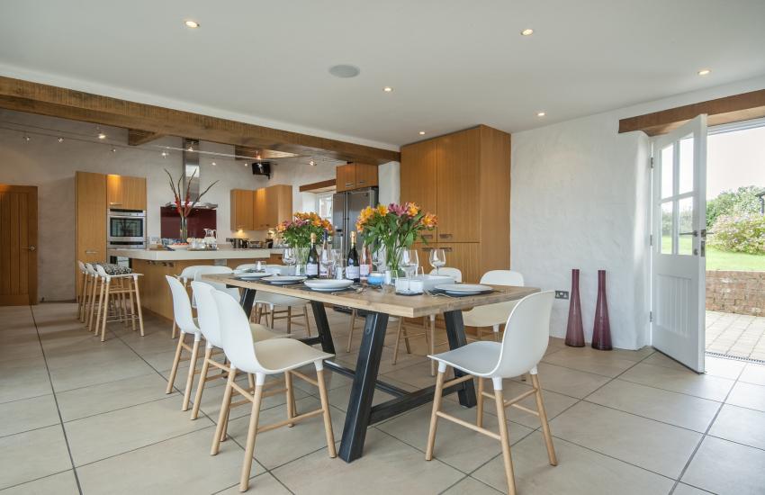 Luxury open plan kitchen/dining room