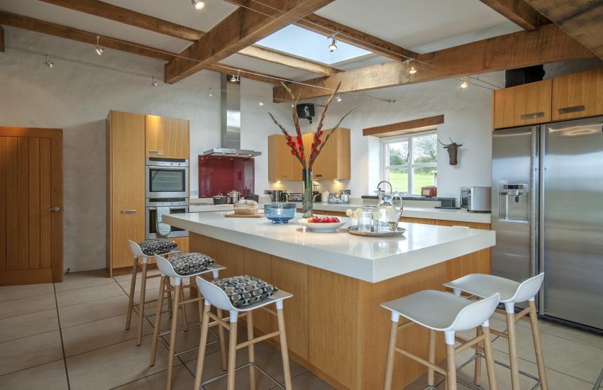 Luxury Designer fully equipped kitchen with American style fridge freezer