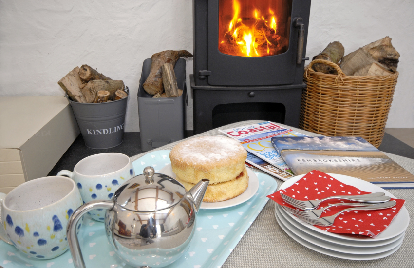 Luxury North Pembrokeshire barn-lounge