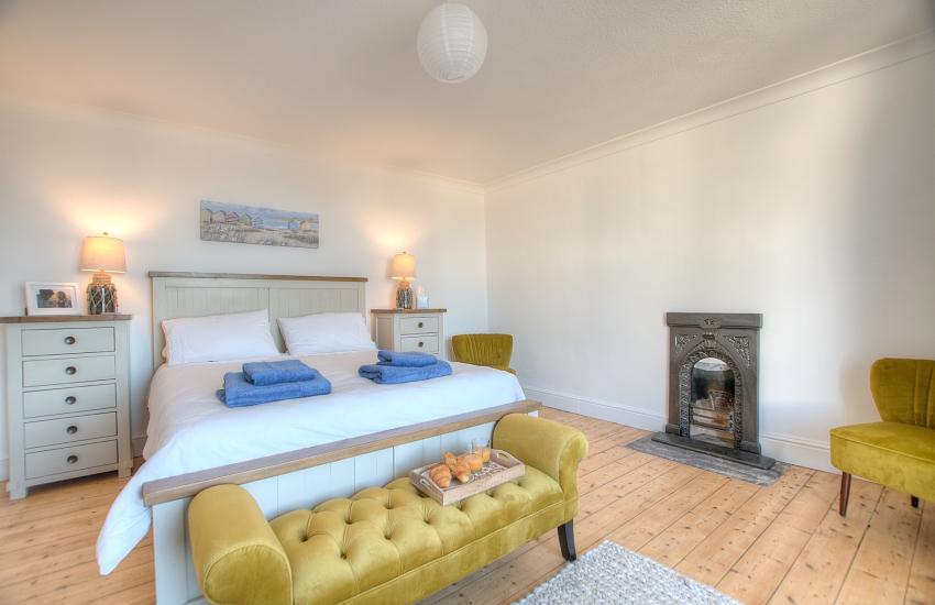 Aberaeron holiday cottage - 1st floor bedroom