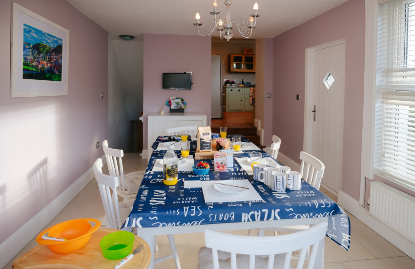 Worms Head cottage holiday nearby - dining room