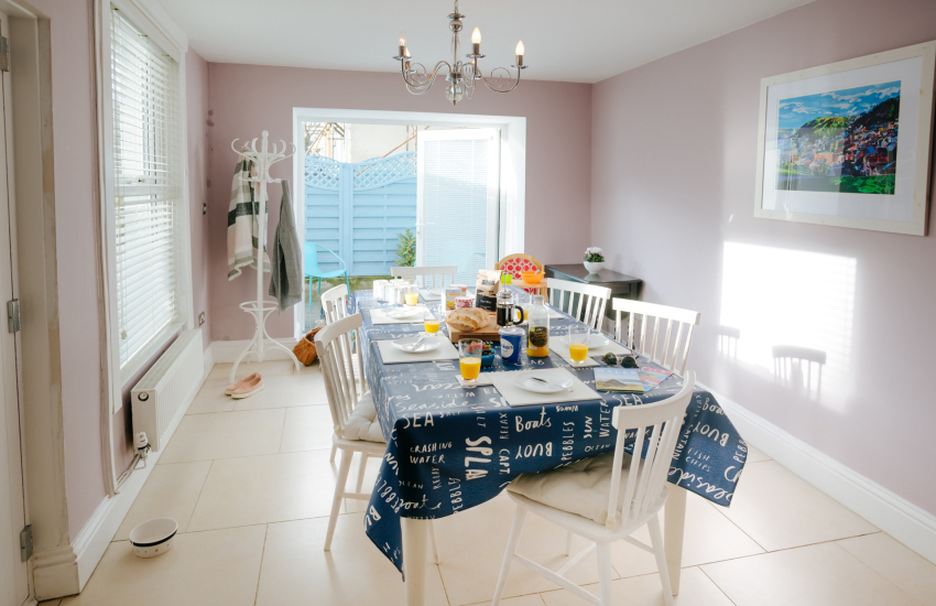 Swansea cottage holiday - dining room