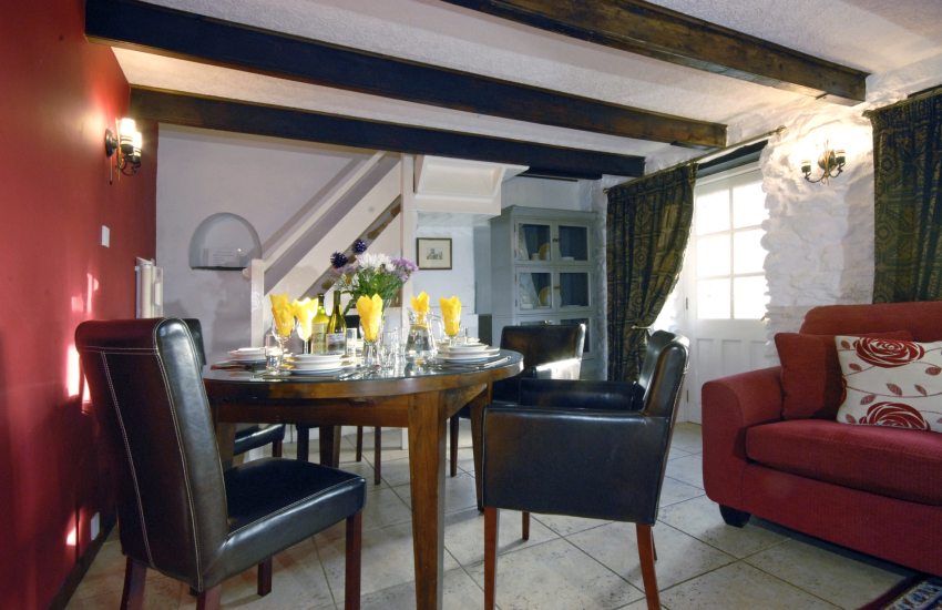 St Davids Peninsula holiday cottage with open plan dining/sitting room