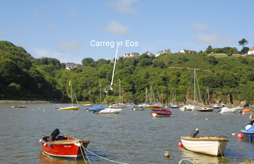 Pembrokeshire Welsh stone holiday cottage overlooking Fishguard Harbour
