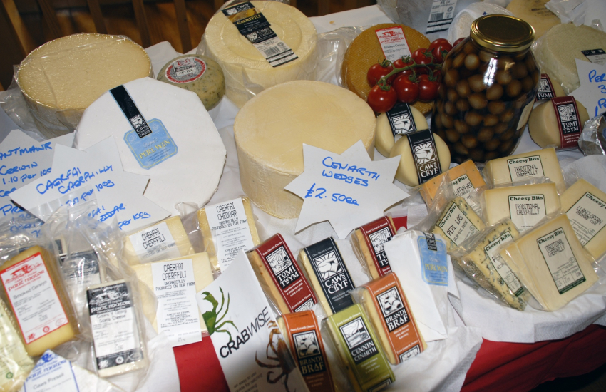 Farmers Market in Fishguard Pembrokeshire produce