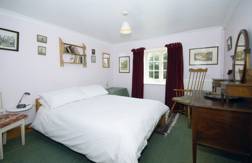Gwaun Valley holiday house - mezzanine en-suite double