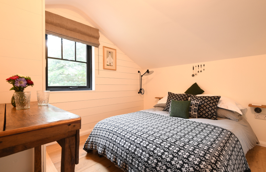 The Hide Retreat holiday - double bed with single bunk