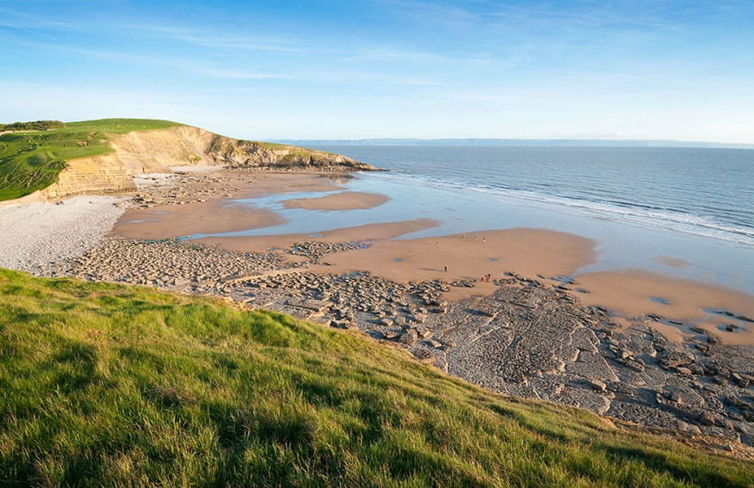 Dunraven Bay (Blue Flag) great for fossil hunting