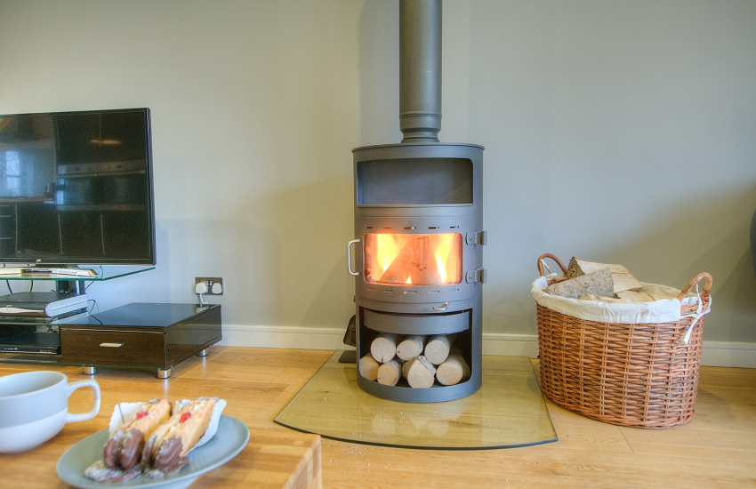 St Davids modern cottage holiday - open plan lounge