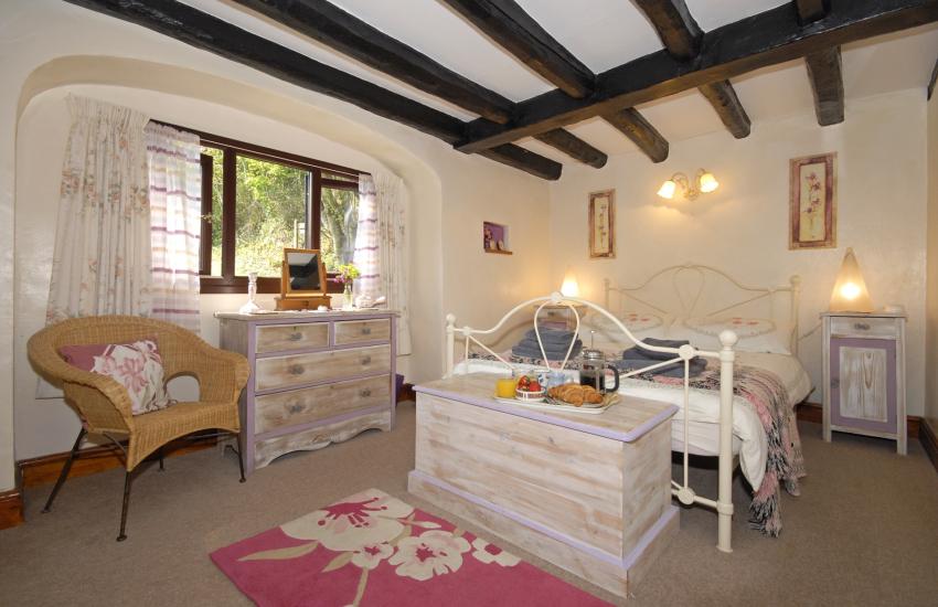 Cwm Tydu cottage sleeping 4 - ground floor double