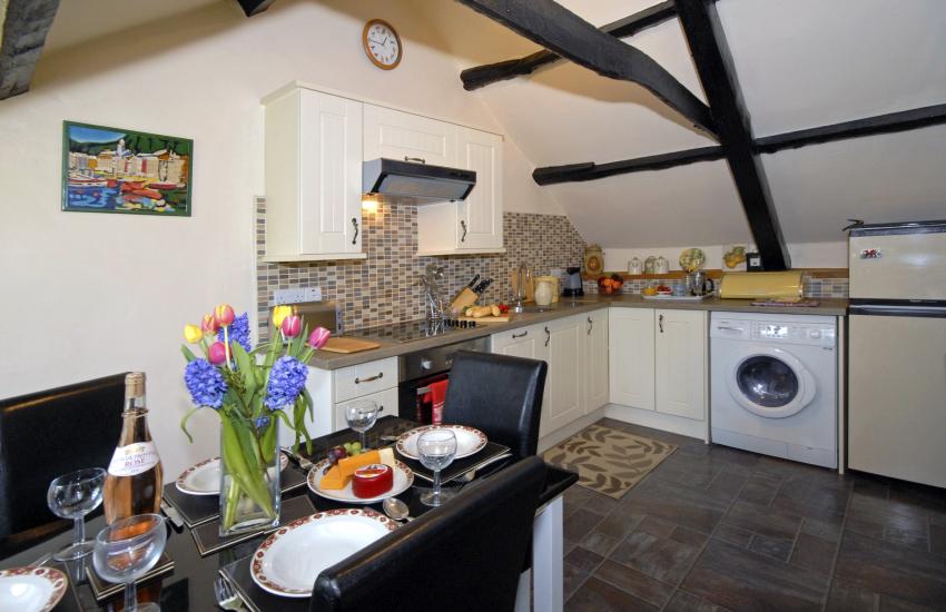 Self-catering cottage in Cwm Tydu - kitchen/diner