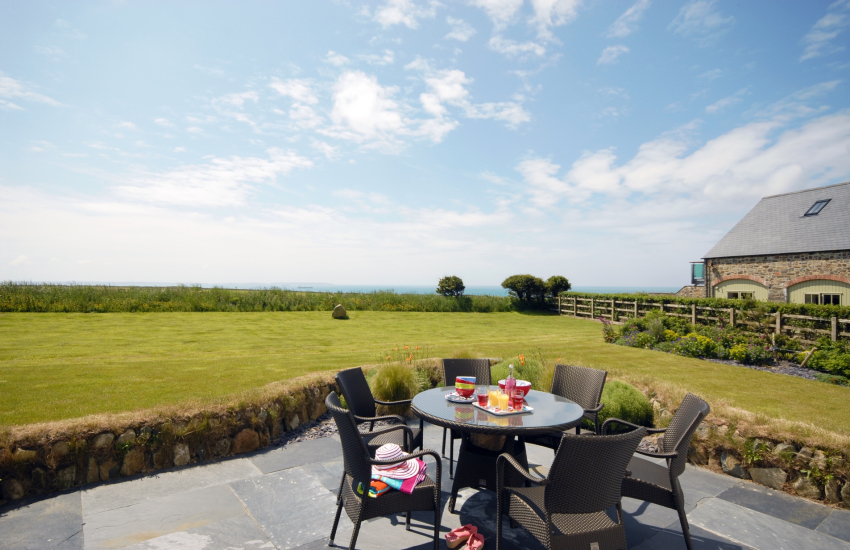 Solva holiday house and gardens with sea views