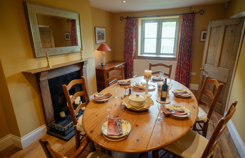 Gower near Rhossilli holiday cottage-dining room