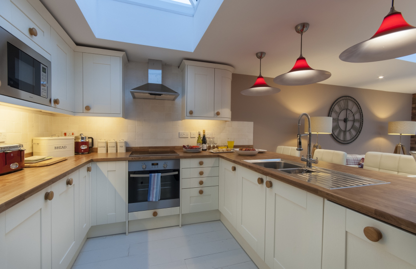 Little Haven self catering cottage with luxury open plan kitchen