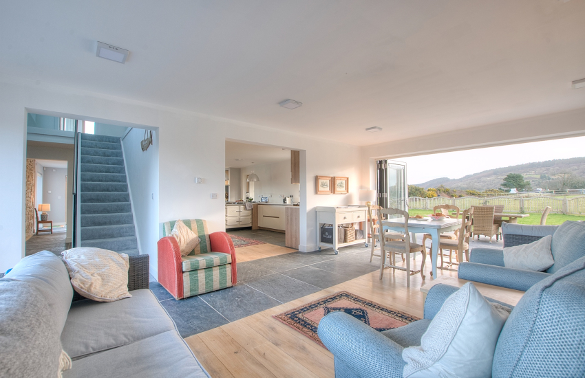 North Wales coastal cottage with hot tub - sitting room