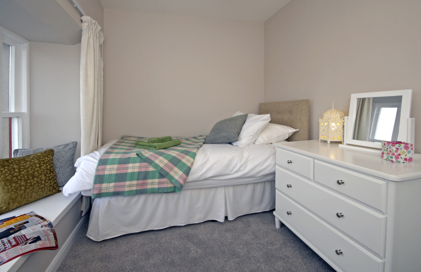 St Davids holiday house sleeps 8 - single with Cathedral views