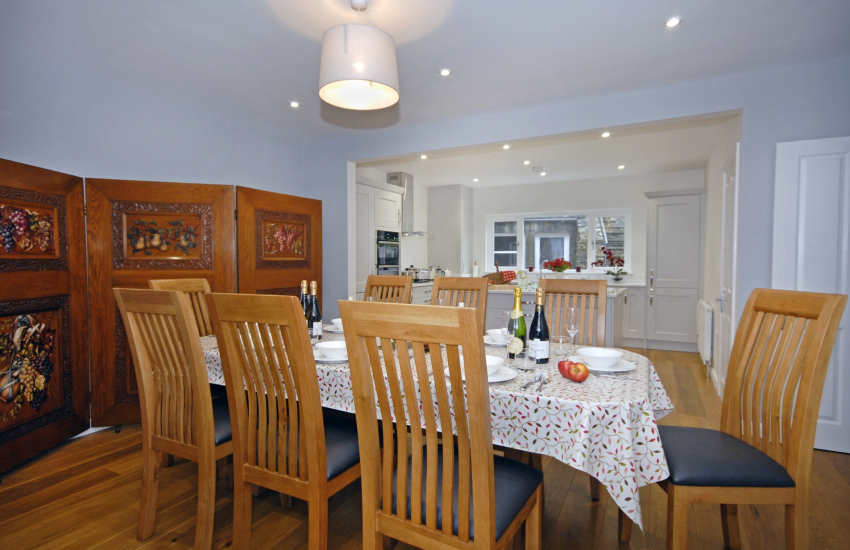 Spacious open plan kitchen/dining room