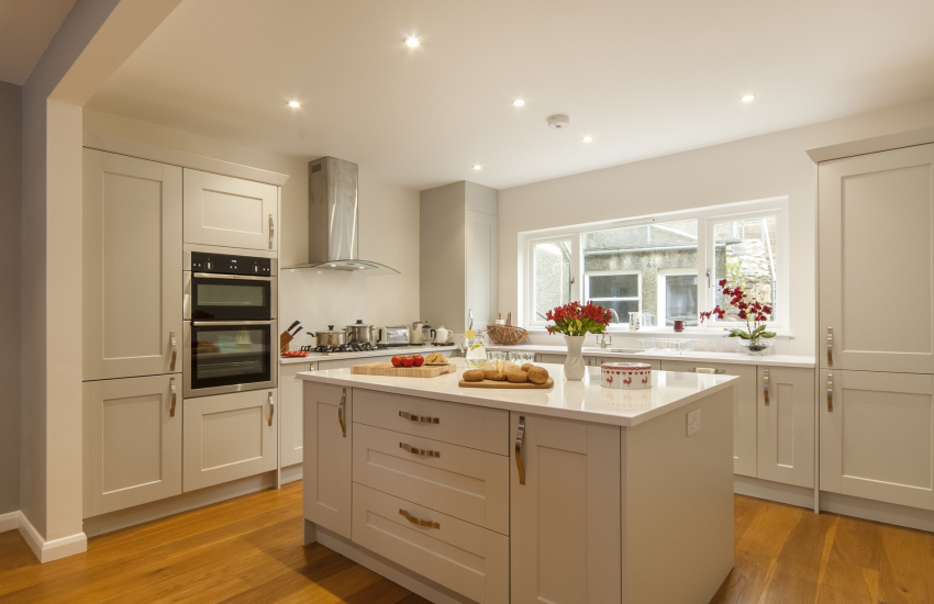 Self catering St Davids - luxury modern open plan kitchen/diner
