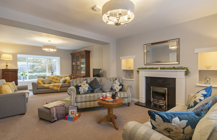 St Davids Pembrokeshire holiday house with spacious sitting room and open gas fire