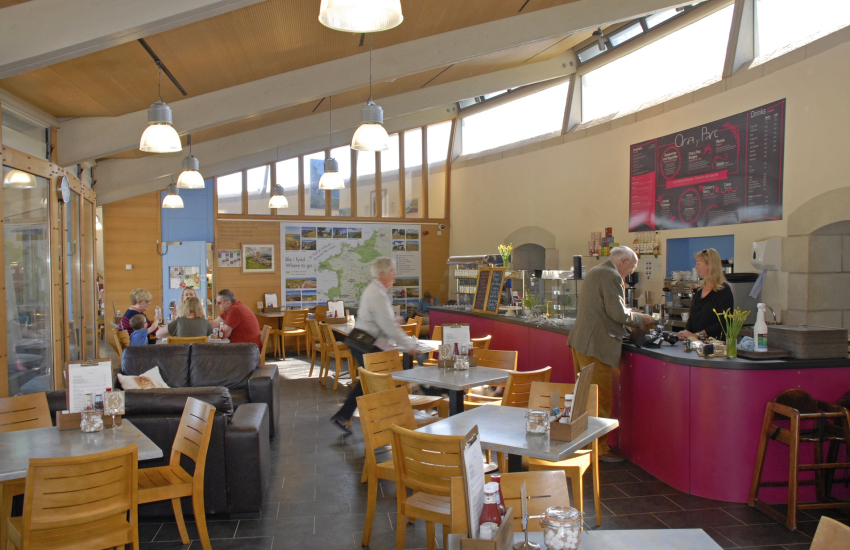 Oriel y Park Cafe and Tourist Information Centre