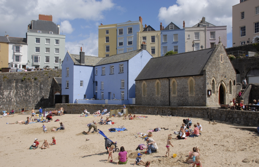 Tenby - a popular seaside town with 5 beaches