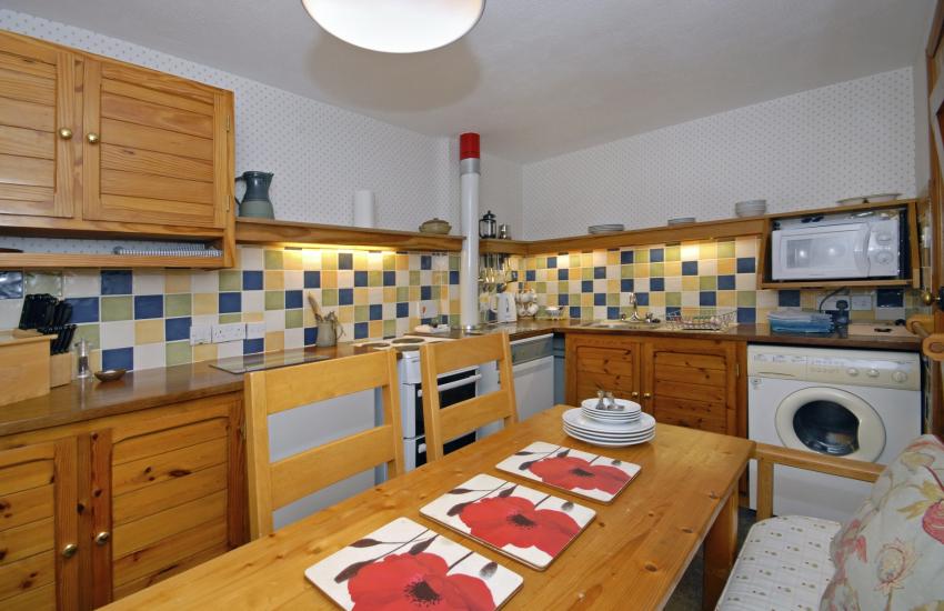 Self catering St Davids - kitchen/diner