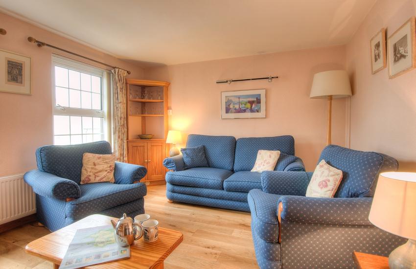 St Davids pet friendly apartment - lounge