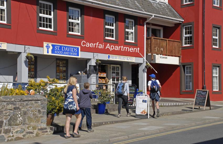 St Davids pet friendly apartment