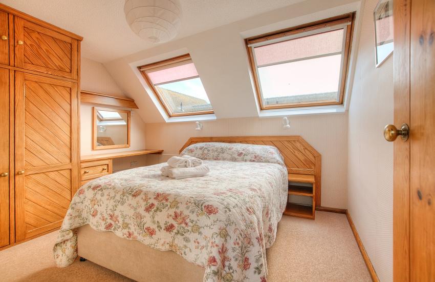 St Davids, Pembrokeshire self catering - double bedroom