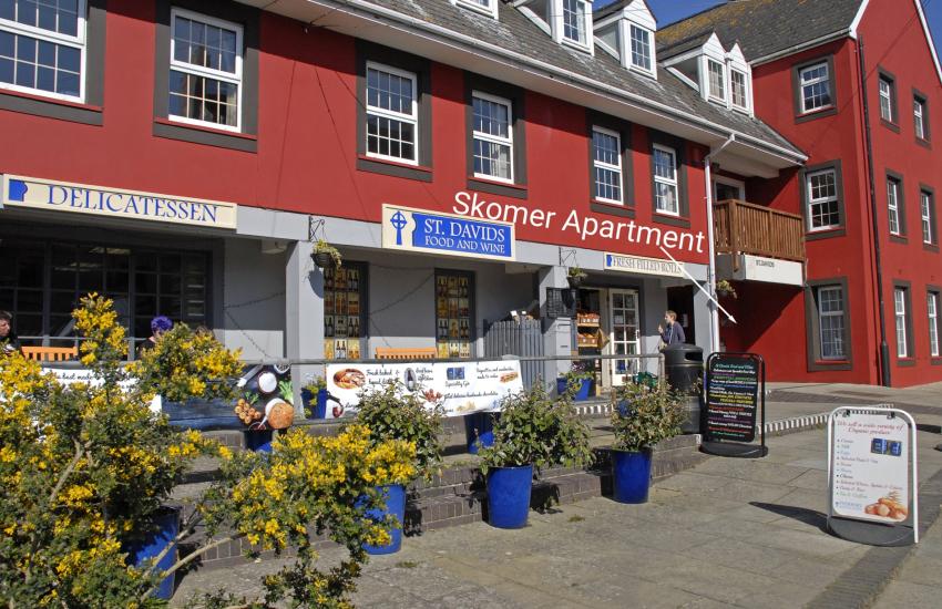 Pembrokeshire holiday apartment sleeps 4