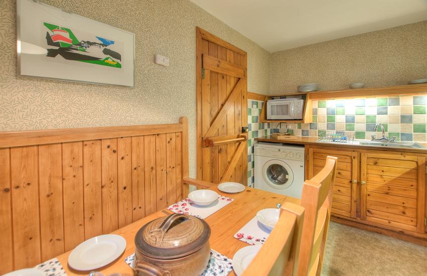 St Davids, Pembrokeshire self catering - kitchen