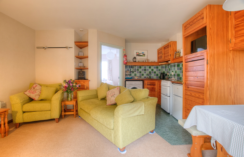 St Davids holiday cottage - lounge