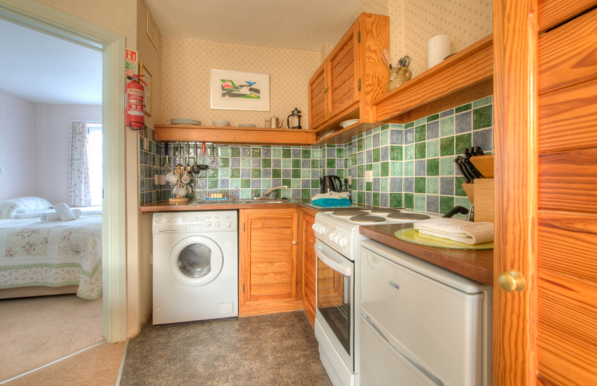 St Davids holiday apartment - kitchen
