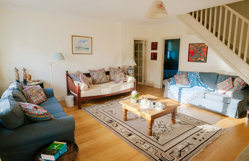 Oystermouth Castle nearby holiday - lounge