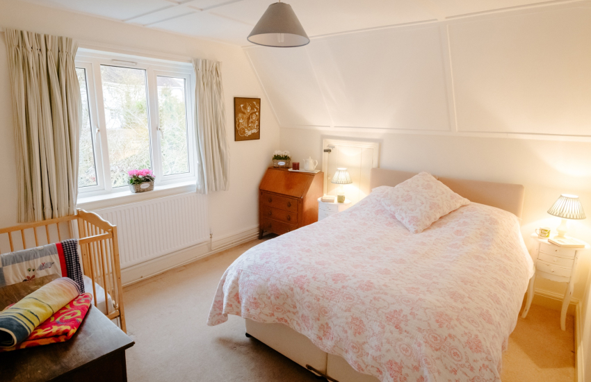 Gower holiday cottage - double bedroom