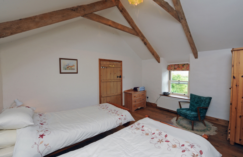 Solva holiday home twin bedroom