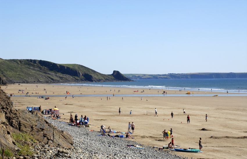 Newgale Beach (Blue Flag) is a stunning 2 mile stretch of golden sand