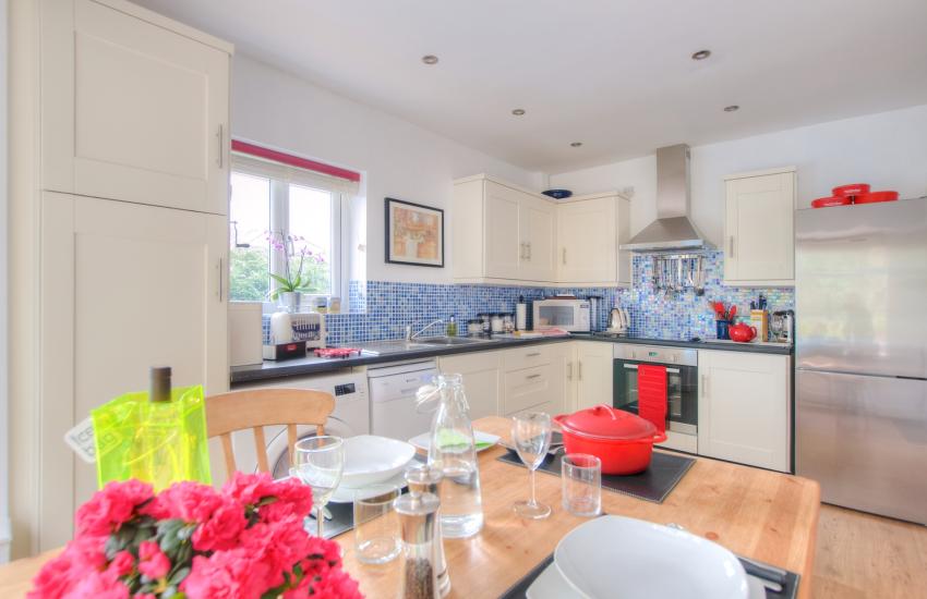 Borth y Gest holiday cottage - kitchen