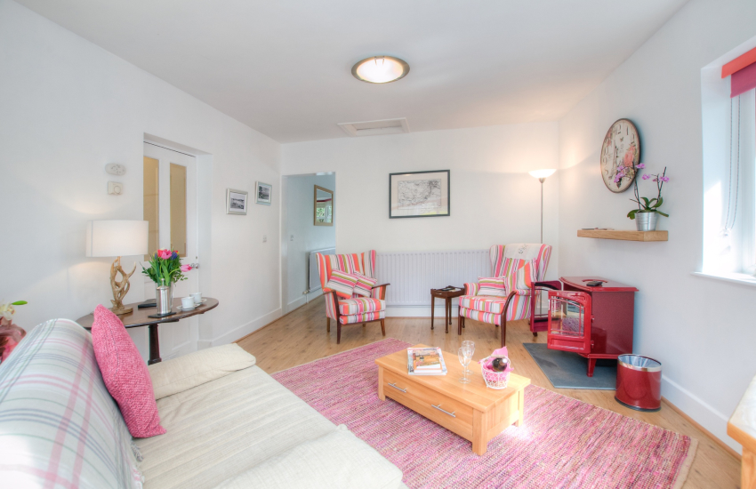 Borth y Gest holiday cottage - lounge