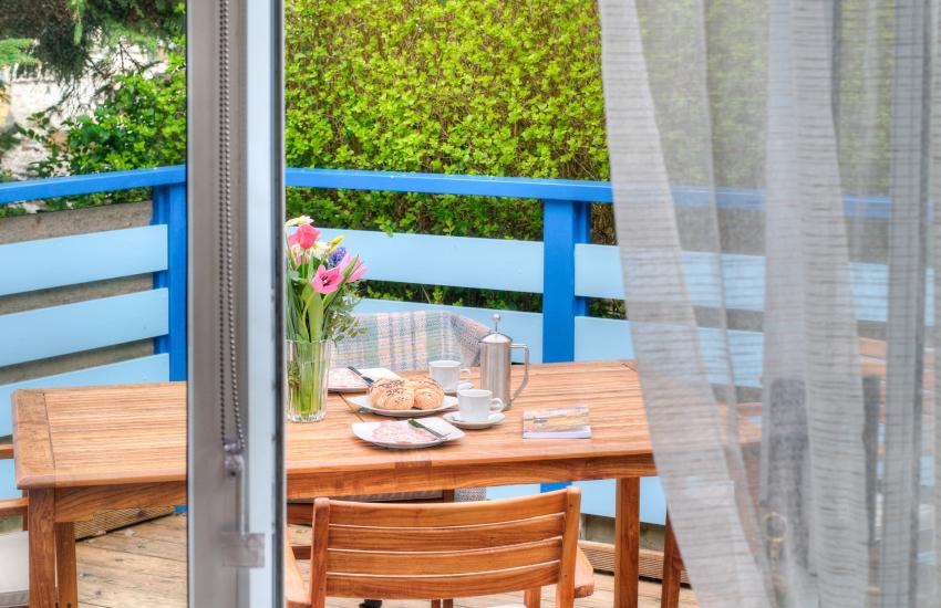 Borth y Gest holiday cottage - patio