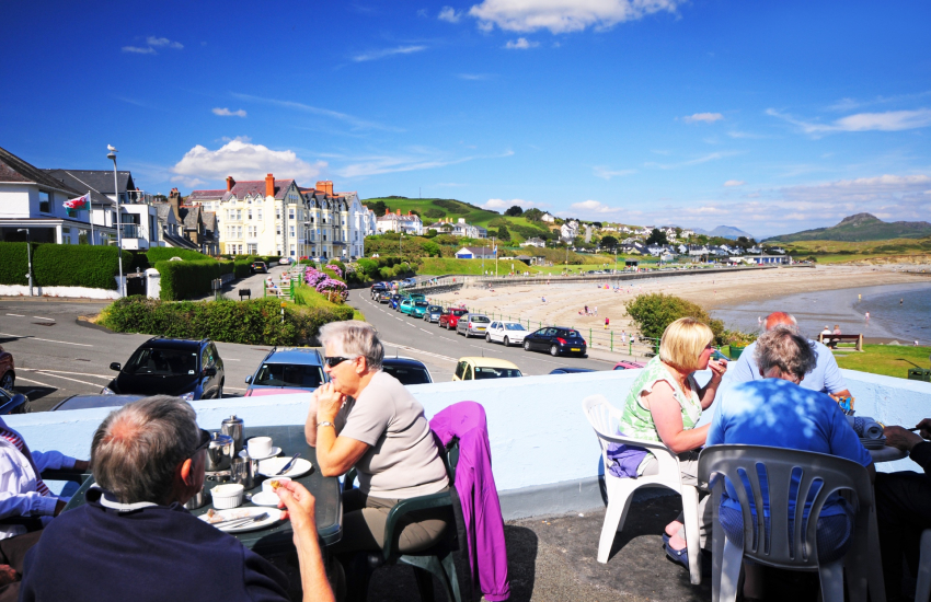 Alfresco dining on the seafront Criccieth