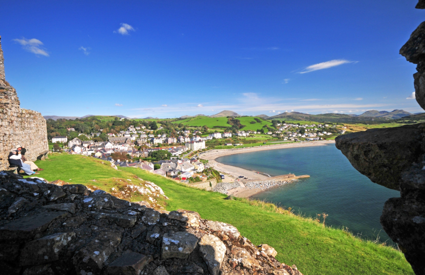 Criccieth Castle with views of Snowdonia