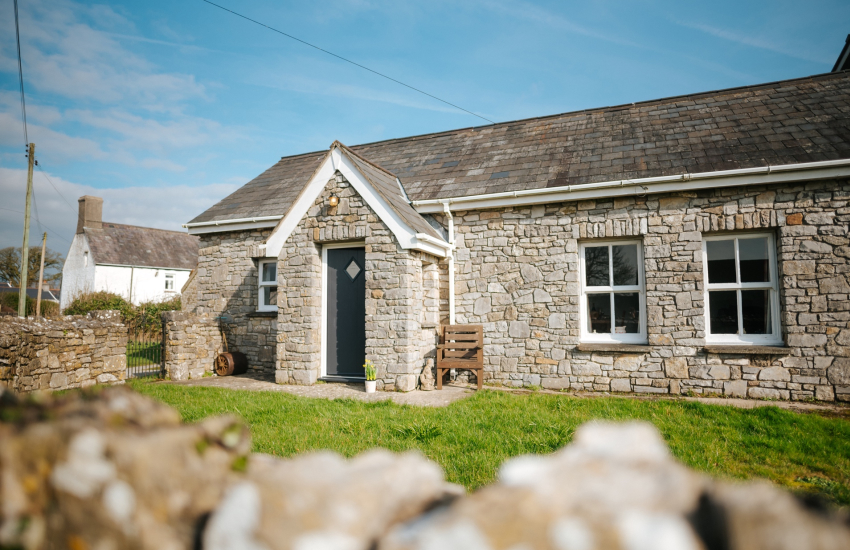 Pretty fully renovated cottage