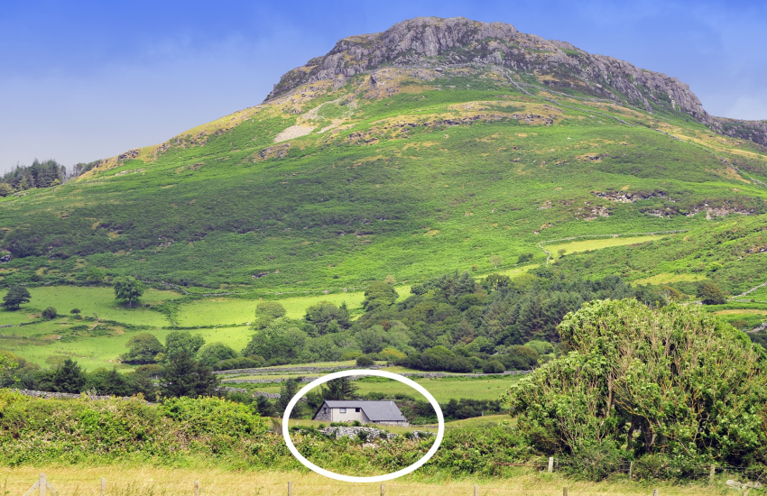 Cottage sleeping 6 - close to Porthmadog and Borth y Guest