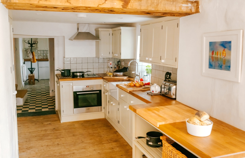 Bespoke country kitchen units