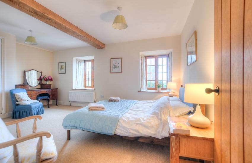 Hay on Wye holiday house - double bedroom