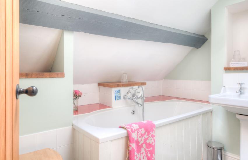 Hay on Wye holiday house  - triple bedroom bathroom