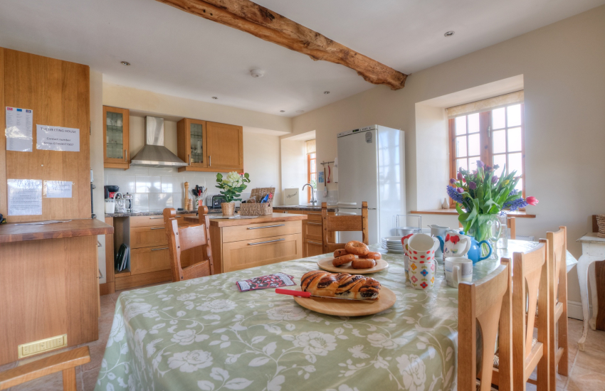 Large holiday house Hay on Wye  - kitchen