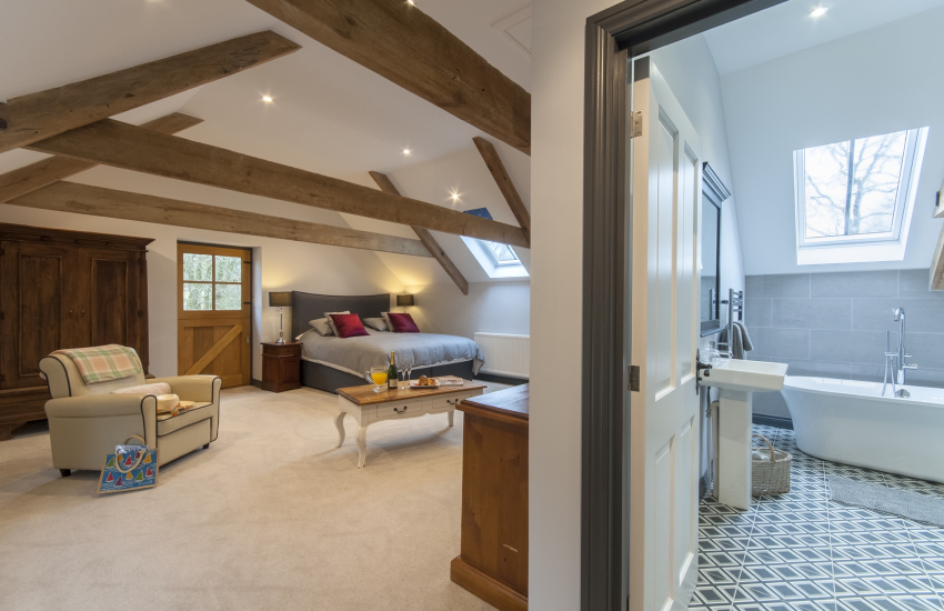 Aberporth Coach House - master super king size bedroom with en suite bath and double shower