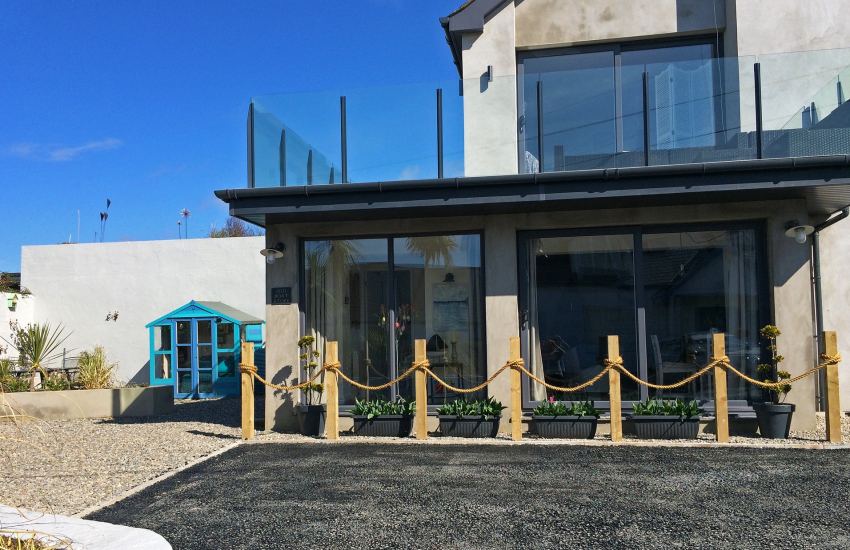Morfa Nefyn romantic cottage by the sea-ext